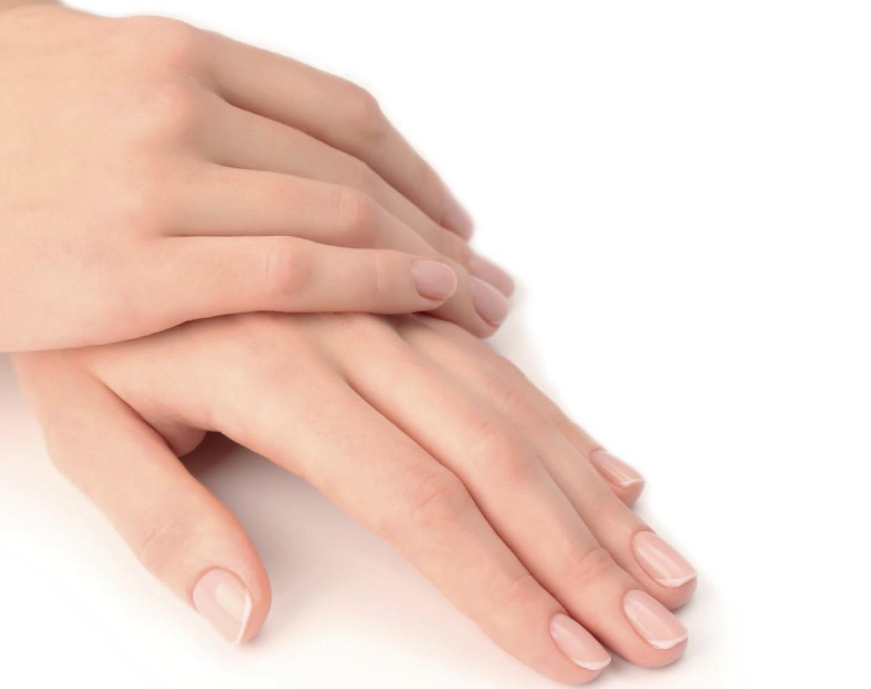 Manicure perfetta: 5 mosse per proteggere le unghie naturali